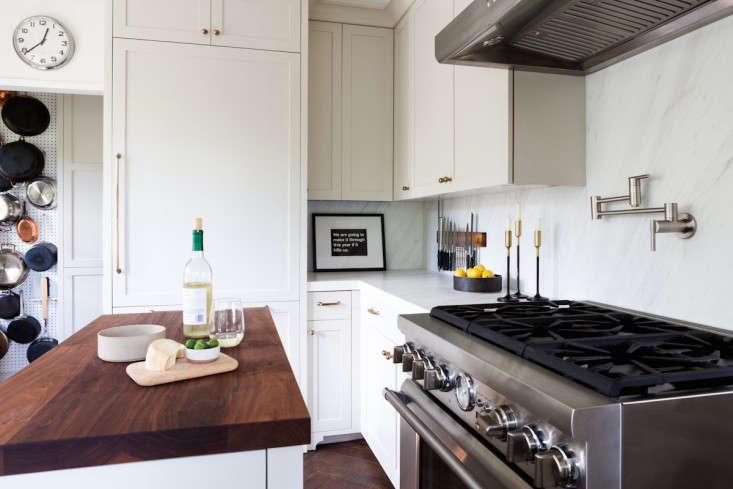 Kitchen of the Week Practicality in White Marble portrait 5
