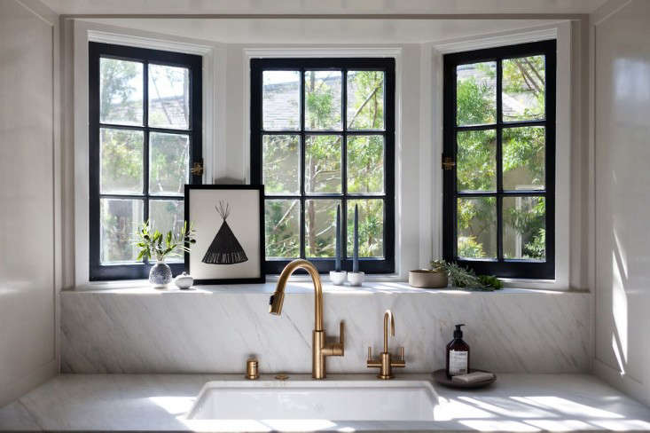Kitchen of the Week Practicality in White Marble portrait 3