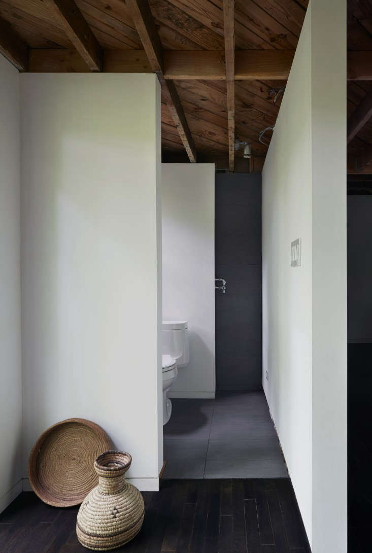 The New Pioneers An Architects OneRoom Family House portrait 17
