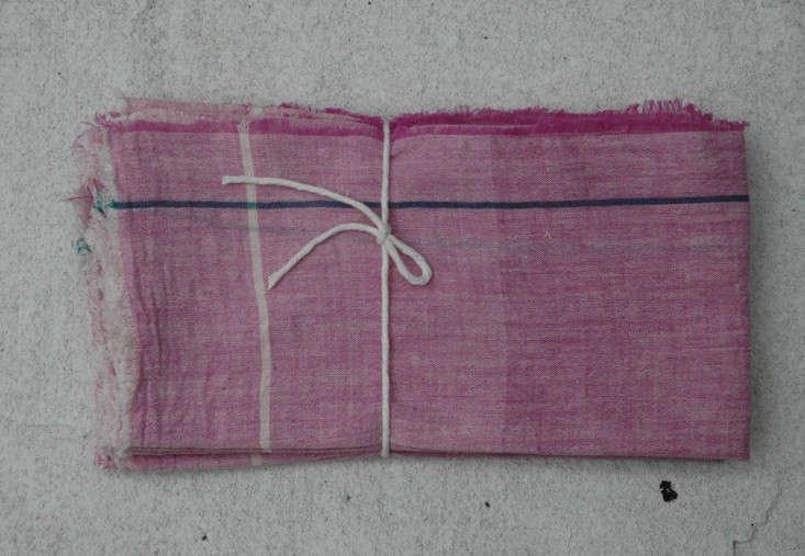 Auntie Otie large napkin set pink Remodelista