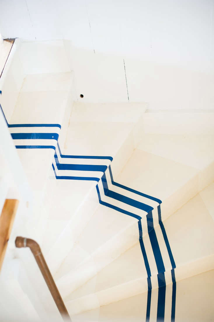 Remodeling 101 Nautical Stripes on the Stairs portrait 4