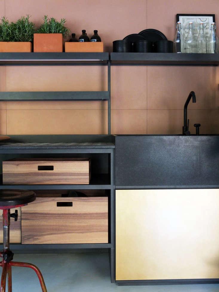 Kitchen of the Week A Modern Kitchen System Inspired by La Dolce Vita portrait 6