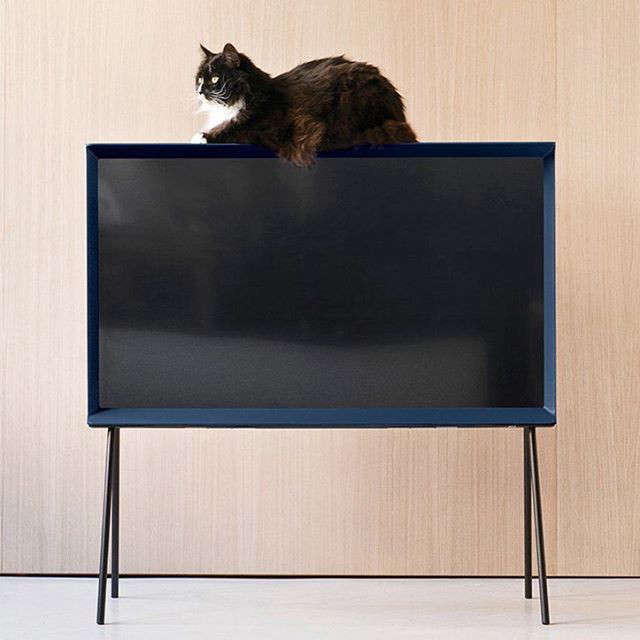 The New Serif TV by the Bouroullec Brothers for Samsung portrait 10