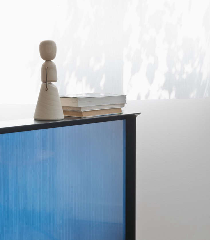 The New Serif TV by the Bouroullec Brothers for Samsung portrait 4