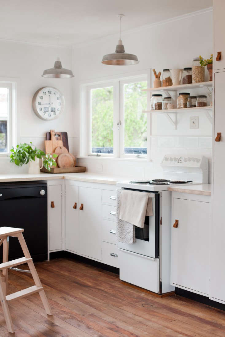 Kitchen Of The Week A New Zealand Blogger S 600 Diy Remodel Remodelista