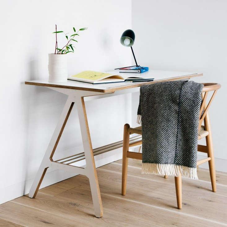 10 Easy Pieces Desks for Small Spaces portrait 11