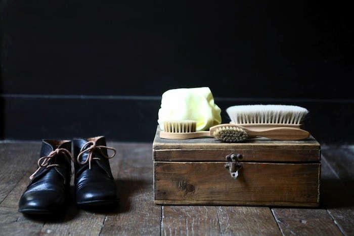 10 Easy Pieces WardrobeMaintaining Essentials portrait 3