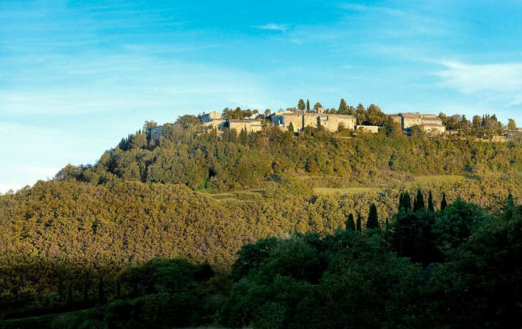 The New Dolce Vita A Reinvented Village in Tuscany portrait 3