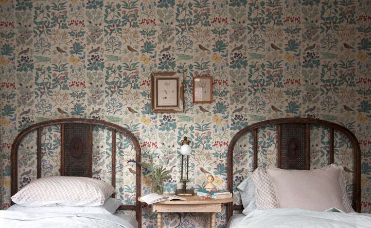 Catskills-Farmhouse-wallpaper--bedroom-by-Jersey-Ice-Cream-Co-Remodelista-1