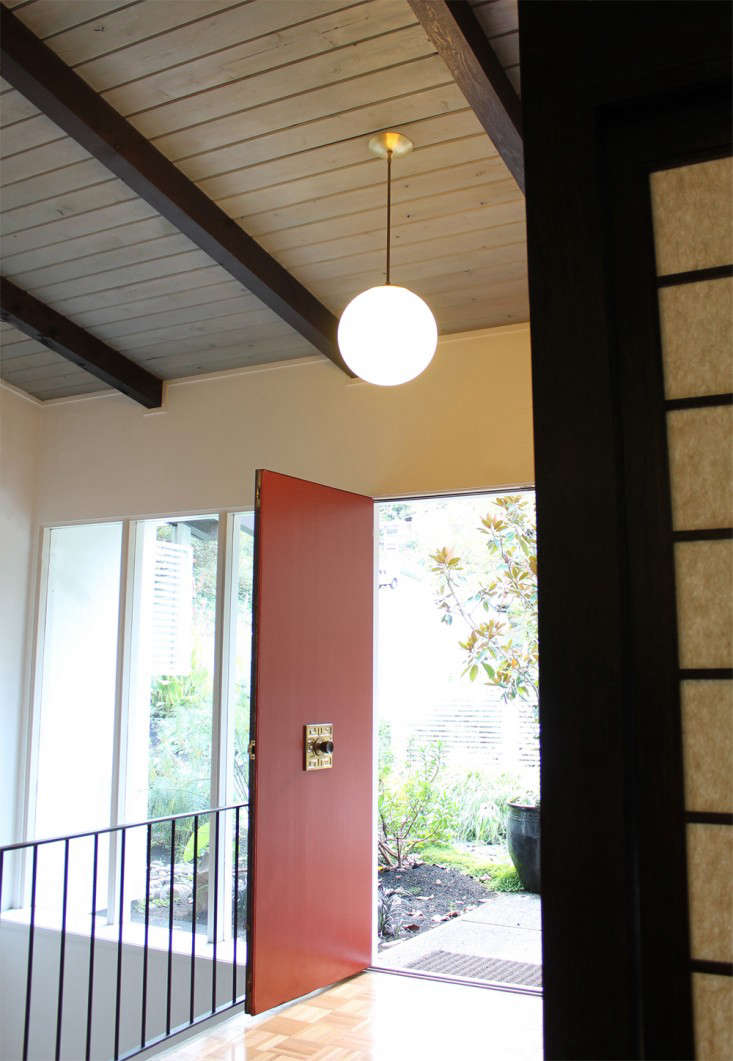 Cedar and Moss lighting Alto Pendant in entry Remodelista