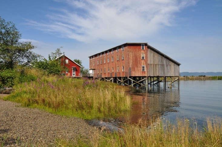 Chadbourne Doss Station Boathouse Oregon 01