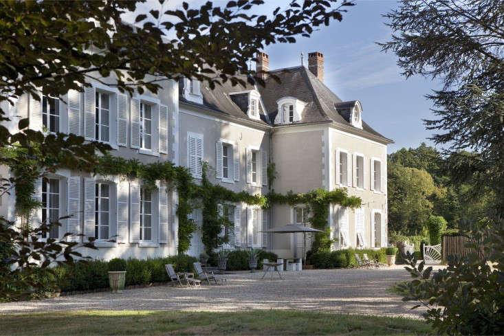 A Burgundy Chteau Hotel Edition portrait 16