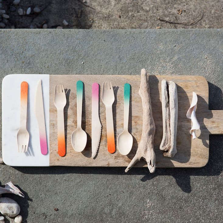 color dipped birch cutlery, a good alternative to plastic. 10
