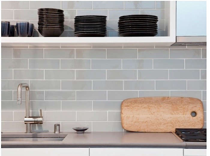 A slender concrete counter with a delicate-looking edge detail by Concreteworks of Oakland, California, in a project by San Francisco architect John Maniscalco. Mark Rogero, principal of Concreteworks, explains that of late there&#8
