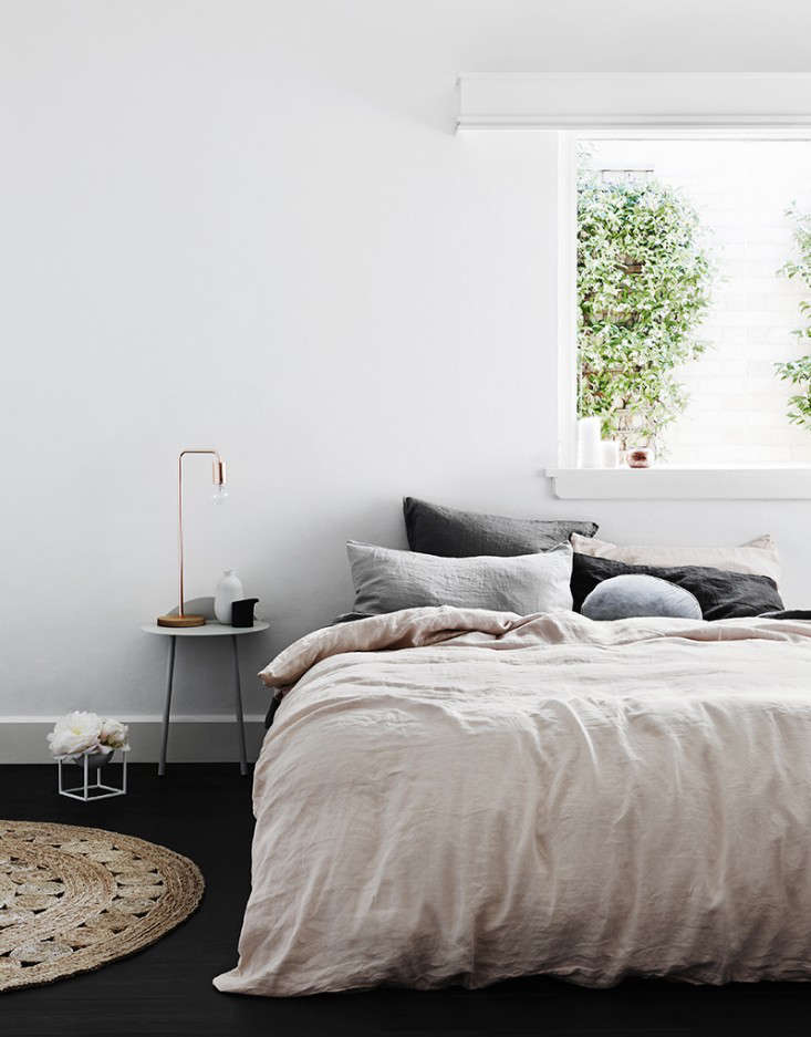 Cultiver pink gray sheets