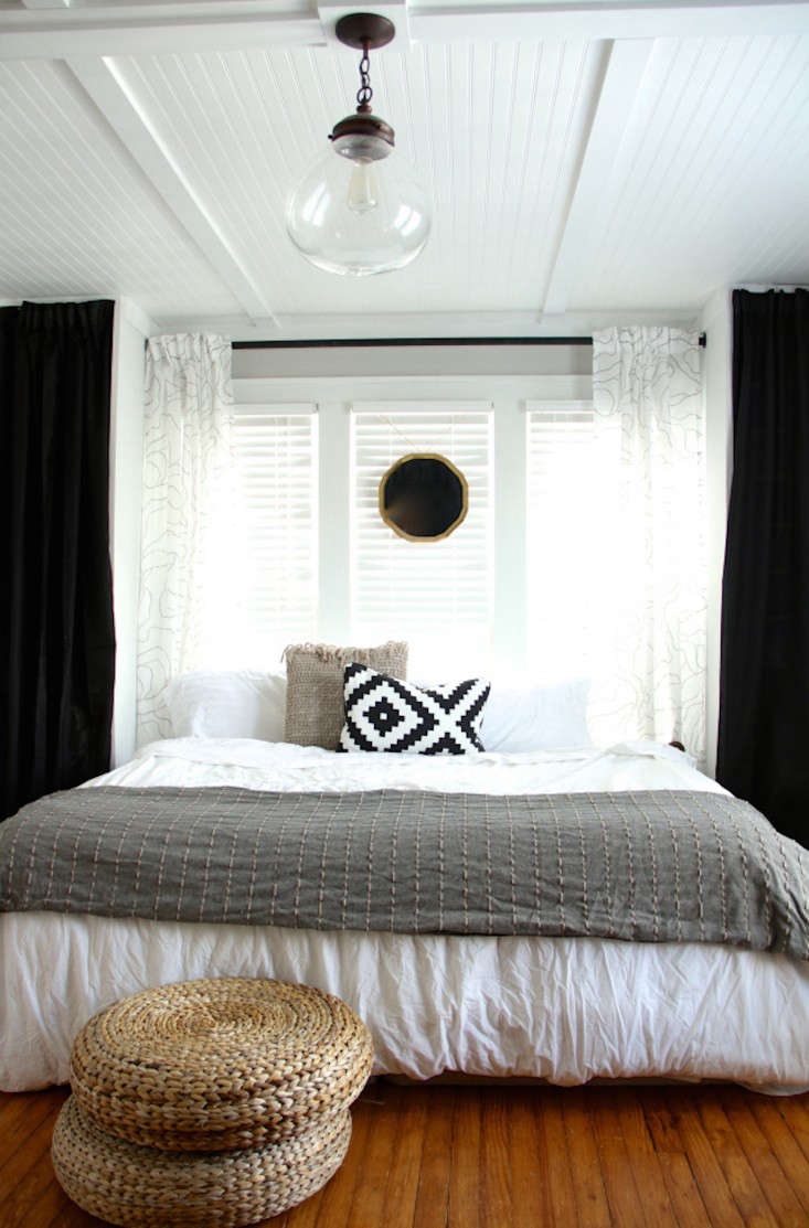 the couple&#8\2\17;s black and white bedroom was where they first tested th 13