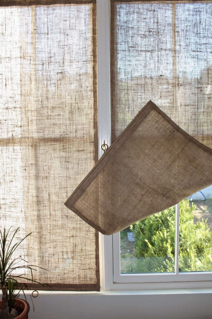 The Shingled House Diy Easy Burlap Shades For Less Than 20 Each Remodelista