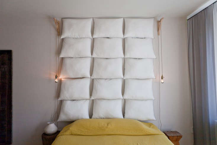 Fifteen pillows and 30 tacks is all it takes.