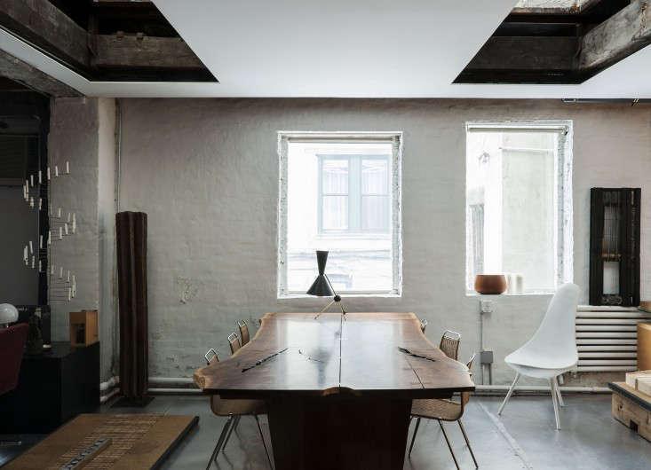 Life on the Edge An Architects Eccentric NYC Loft portrait 3