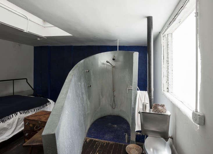 Life on the Edge An Architects Eccentric NYC Loft portrait 13