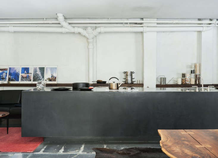 Life on the Edge An Architects Eccentric NYC Loft portrait 4