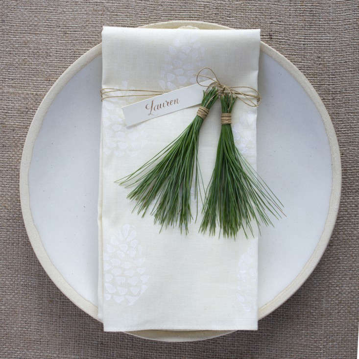 DIY A David StarkDesigned Holiday Table Setting portrait 3_15
