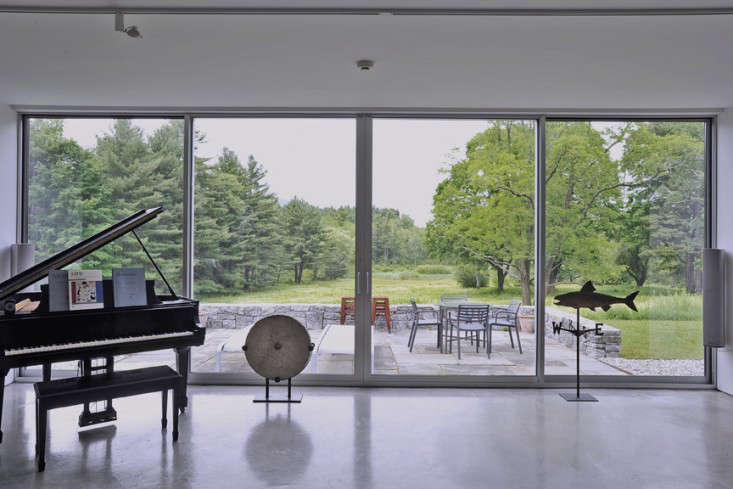 Vote for the Best LivingDining Room in the Remodelista Considered Design Awards Amateur Category portrait 6