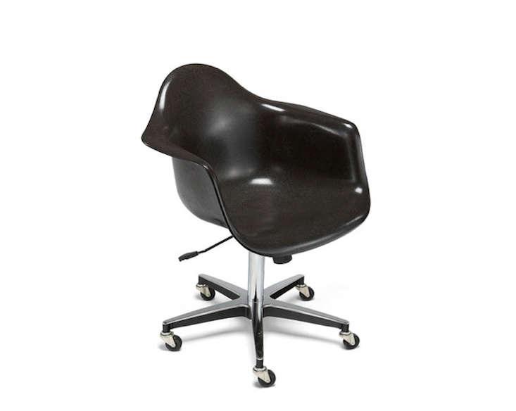 10 Easy Pieces Classic Desk Chairs portrait 7