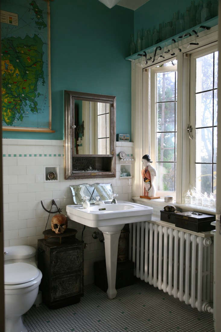 Vote for the Best Bath Space in the Remodelista Considered Design Awards Amateur Category portrait 3