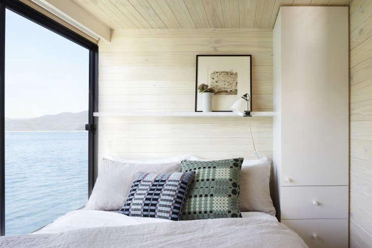Eildon housboat by Pipkorn Kilpatrick Melbourne Remodelista 15