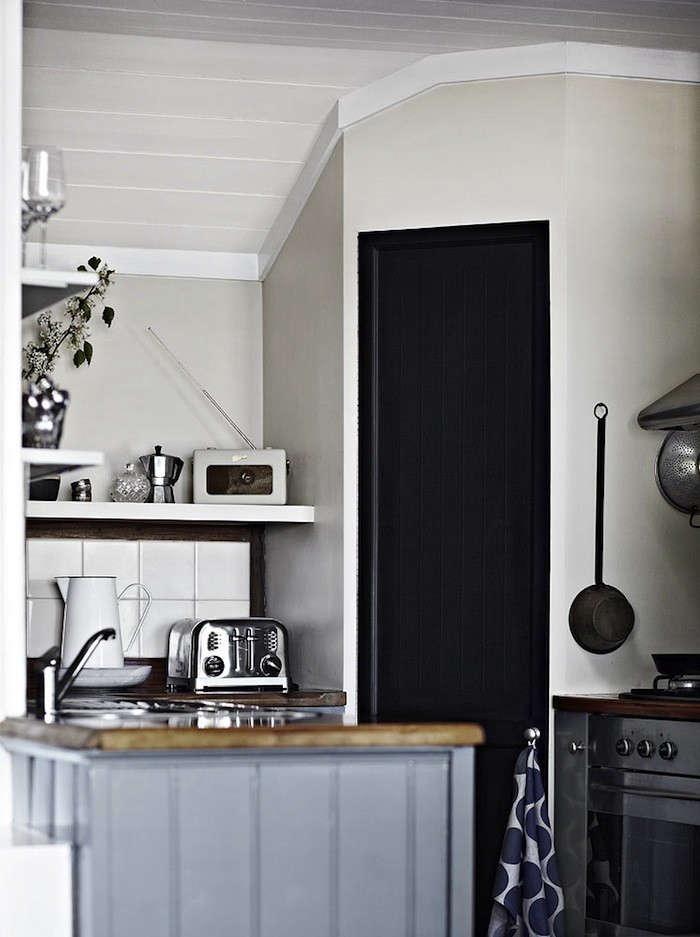 Ellis House Kitchen 01