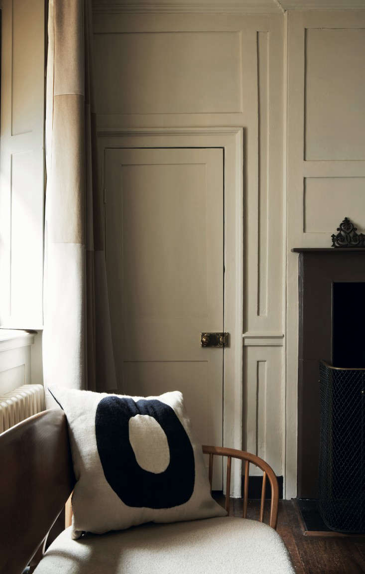 Required Reading Farrow  Ball Decorating with Colour portrait 8
