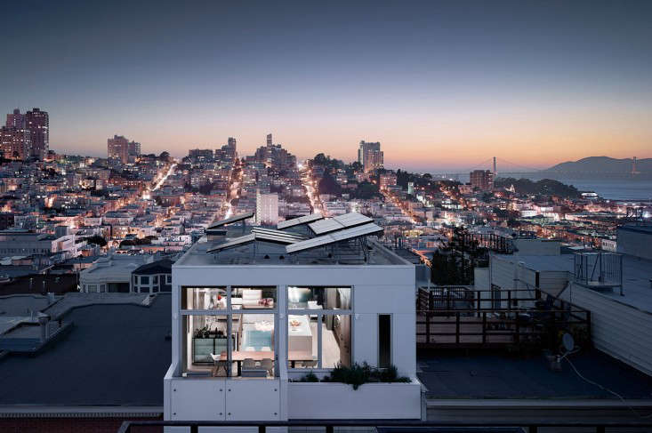 on telegraph hill, in san francisco, aflat roofed building byfeldman archit 11