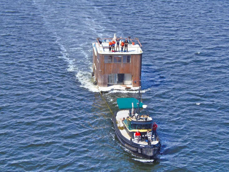 Rehab Diary The Ultimate Houseboat in NYC A tug called the Patty Nolan moved the houseboat (and new owners) down the Hudson River, a journey that took two \13 hour days. Will Van Dorp of the blog Tugstertook this portrait as the boat entered New York Harbor.