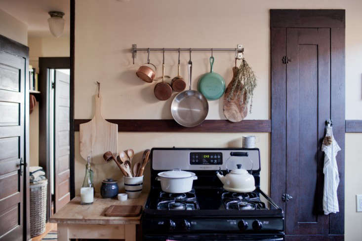 The Portland, Oregon, kitchen of John and Jen Vitale profiled onFreunde von Freunden. Photograph by Carissa and Andrew Gallow, courtesy of Freunde von Freunden.