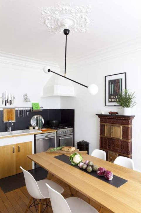 in furniture designer gesa hansen&#8\2\17;s république apartment, a black  21