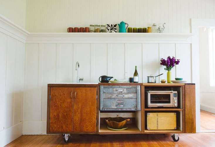 Kitchen of the Week The Movable Kitchen from ModNomad Studio portrait 3
