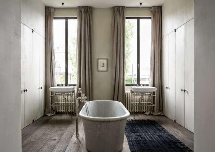 20 Questions Julianne Moore and Vincent Van Duysen Talk Design portrait 7