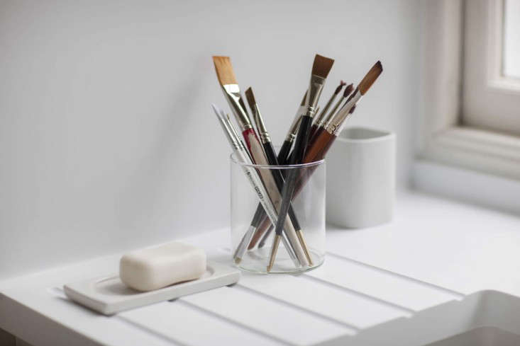 Remodeling 101 How to Patch Nail Holes Tips from a Master Painter Artist&#8\2\17;s brushes come in handy for delicately painting over filled nail holes. Photograph byAngus Bremner from A Georgian Townhouse Remodeled for an Artist.