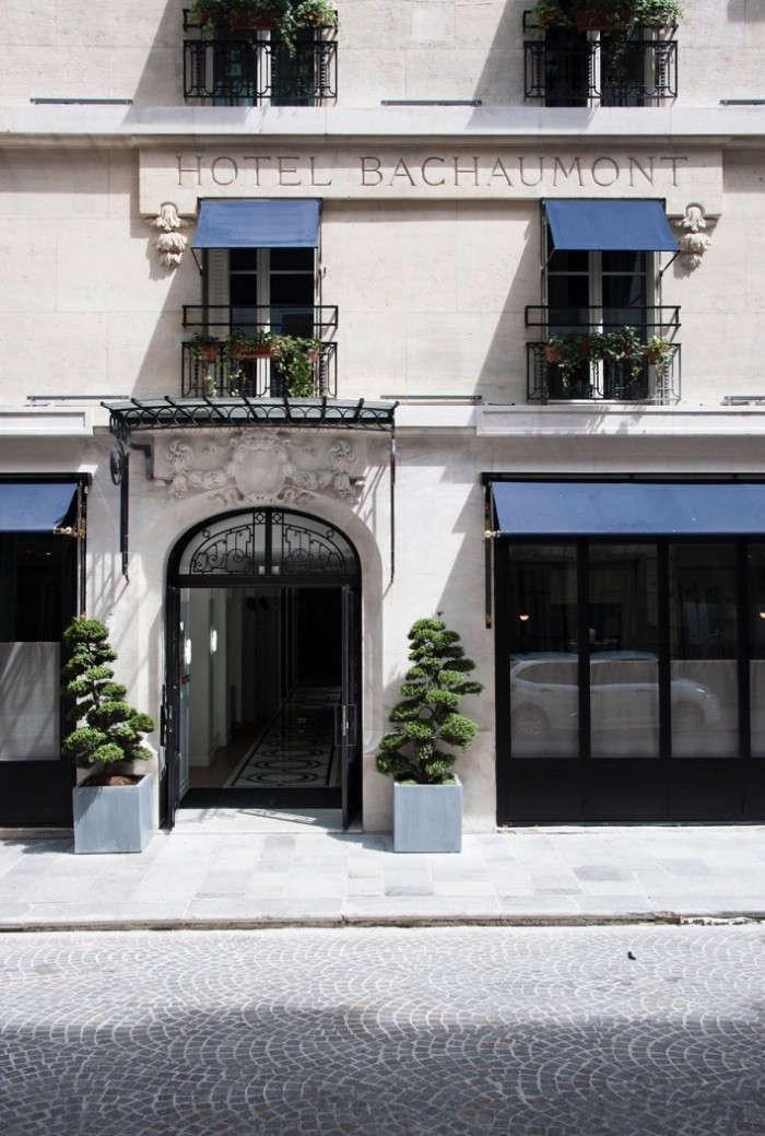 Moody Blues The Hotel Bachaumont in Paris portrait 3