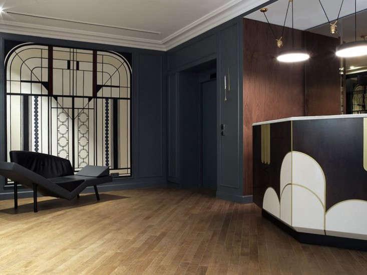 Moody Blues The Hotel Bachaumont in Paris portrait 5