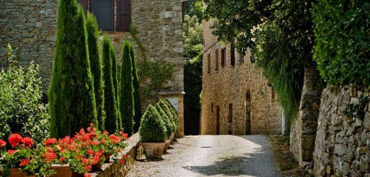 The New Dolce Vita A Reinvented Village in Tuscany portrait 4