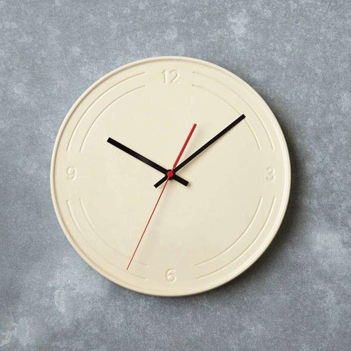 10 Easy Pieces Simple Kitchen Clocks portrait 8