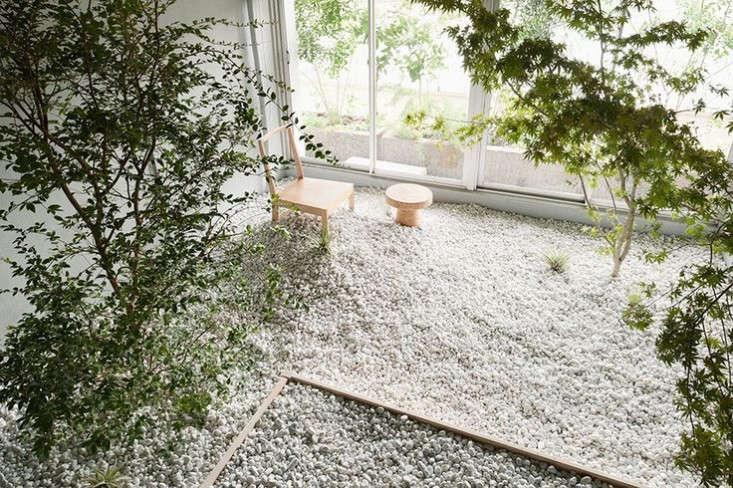 Japanese rock garden yuko guyama gardenista 1