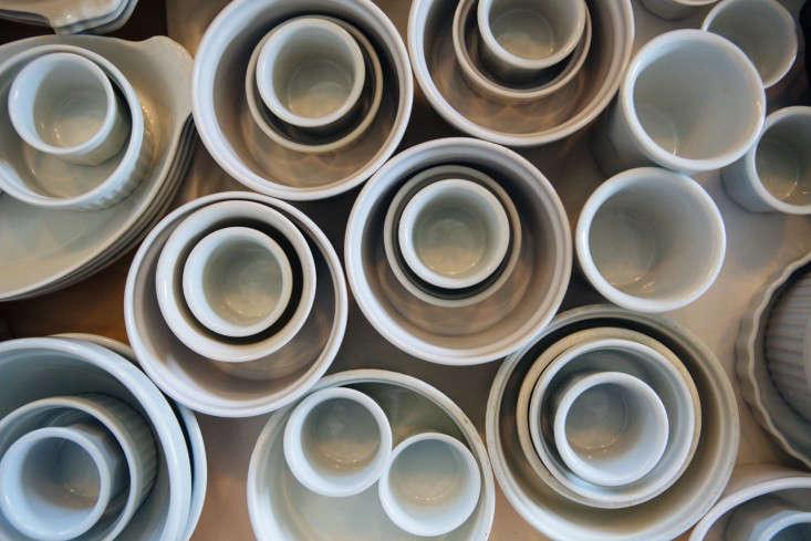joan mcnamara la loft white ceramics ljoliet remodelista 13
