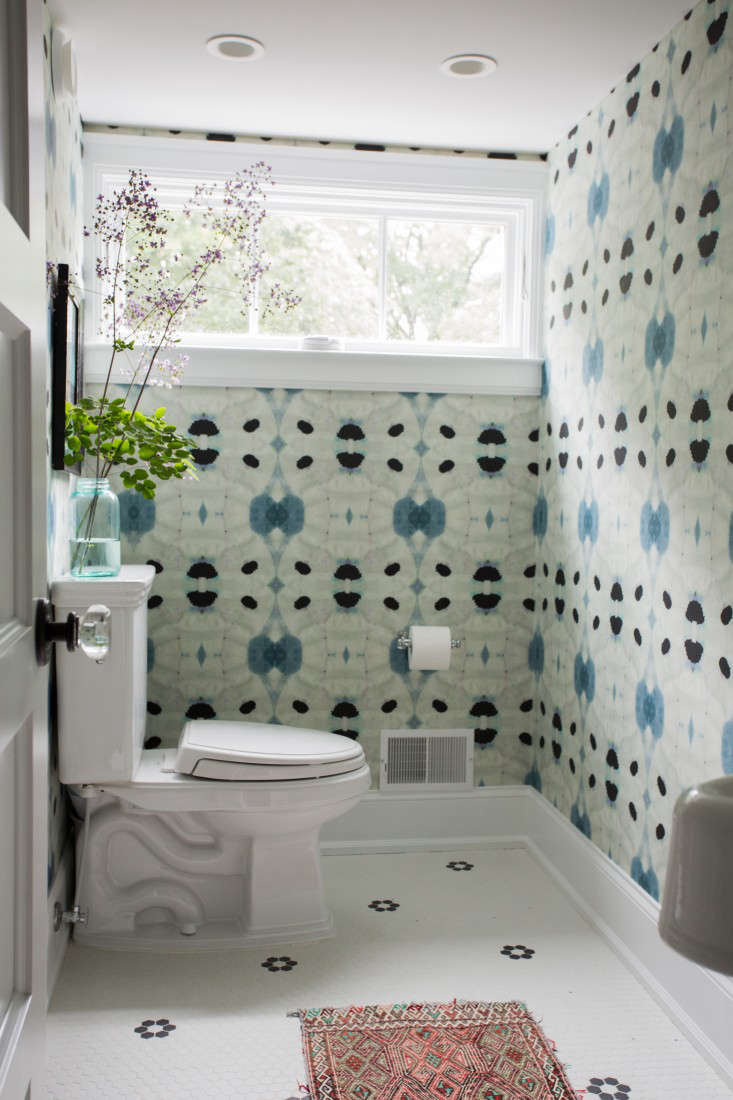 a rug adds texture to a colorfulthird floor bath in pattern language: a texti 19
