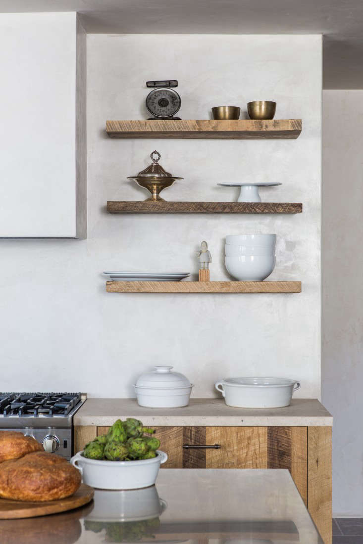 "Leigh Herzig used Tadelakt Decolakt by Terre du Monde in LA on the kitchen walls and ceiling of her Hollywood spec house. ""You really can't tell the difference between it and the Italian plaster,&#8"