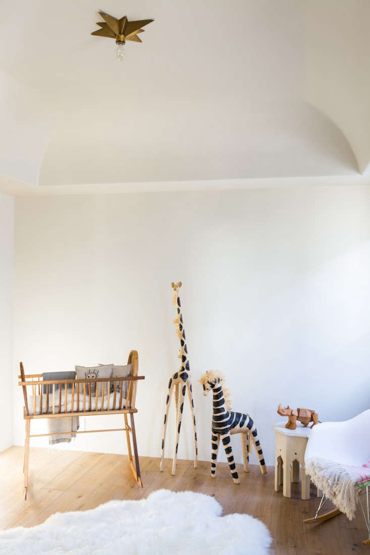 Leigh-Herzig-spec-house-West-Hollywood-photographed-by-Laure-Joliet-Remodelista-18