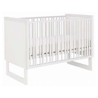10 Easy Pieces Best Cribs for Babies portrait 7