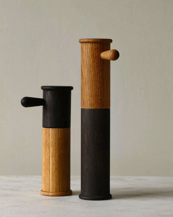 10 Easy Pieces Salt and Pepper Grinders from Around the World portrait 15